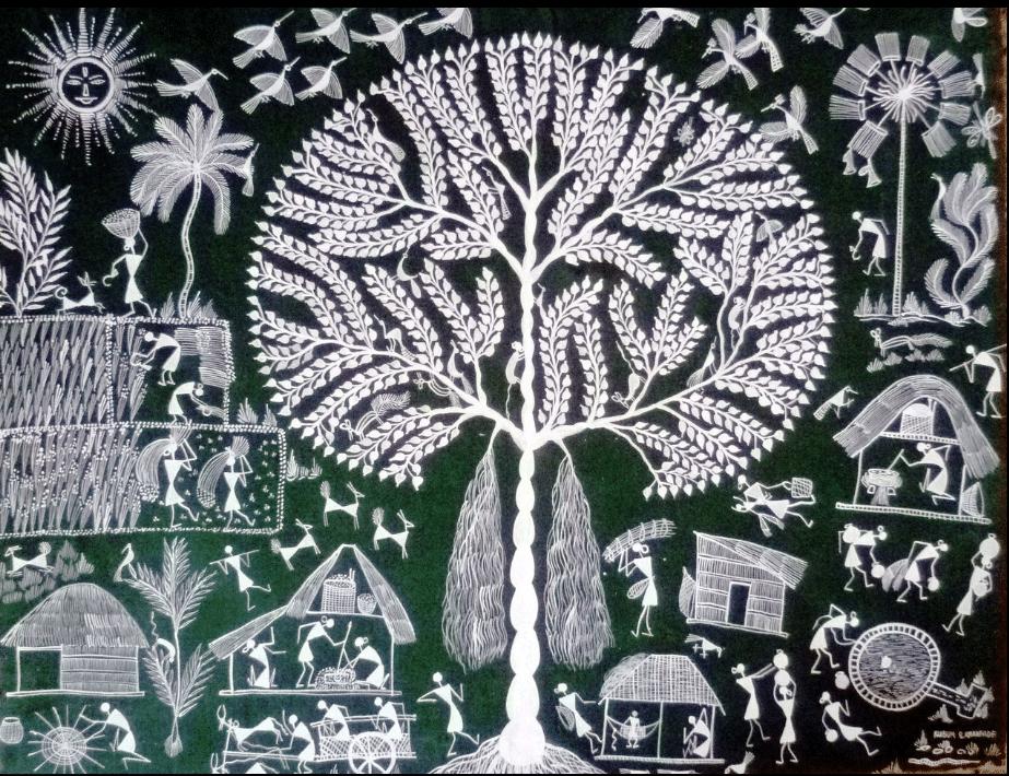 L'arbre « Banyan » Considéré comme l'arbre de vie. Cet arbre ne meurt pas ou ne perd pas sa couleur, toujours verte. C'est une plante médicinale. Les gens s'assoient sous sa voute, son ombre. Ses feuilles sont utilisées lors de mariages pour servir une boisson. Chaque fois qu'il y a une dispute, une querelle dans le village, les chefs réunissent les gens sous cet arbre pour régler le problème. Les petits enfants jouent sous l'arbre et dansent sur les racines, les oiseaux se regroupent là pour manger ses fruits. Tout le monde aime l'arbre de vie.